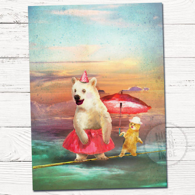 Wenskaart illustratie beer en kat | koorddansen | paraplu | tekening