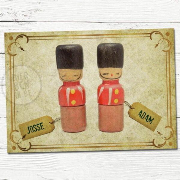 retro geboortekaartjes voor tweeling met houten popjes soldaten