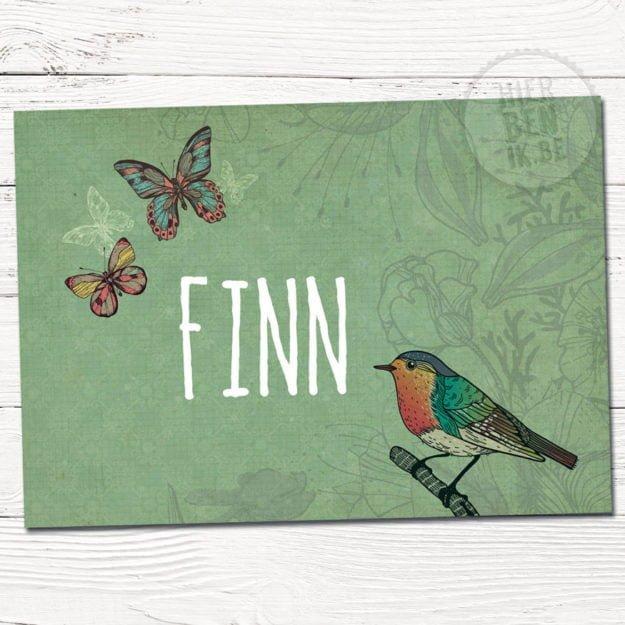 Geboortekaartje op maat in de kijker. Een vrolijk kaartje met vogel en vlinders met natuur als rode draad. Kies een ontwerp op maat.